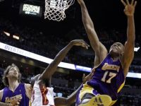 NBA Injury Update: Andrew Bynum will Miss More Time