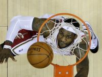 LeBron James Lights Up the Bulls for 40 in Game Two