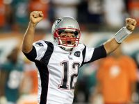 Brady Throws For 517 Yards As Patriots Light Up Dolphins