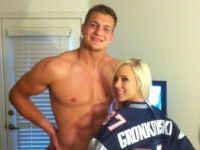 Patriots Tight End Apologizes For Porn Star Pic