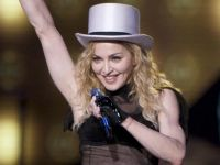 Super Bowl XLVI: Madonna &#038; Kelly Clarkson Prop Bets