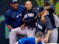 Mariano Rivera Tears ACL, Probably Done For Season