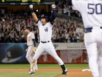 Derek Jeter goes out in style