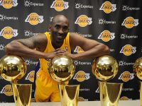 Kobe Bryant dominates the court in last-ever NBA game